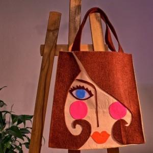 Kadın Yüzü Desenli Çanta